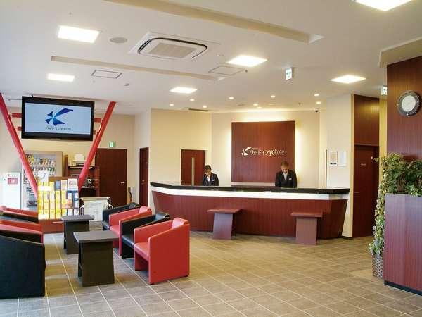 ホテルロビーでは、大型モニターで横手の観光情報やホテル案内をご覧いただけます。