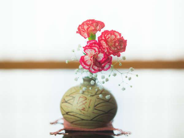生け花がお部屋を鮮やかにに彩ります
