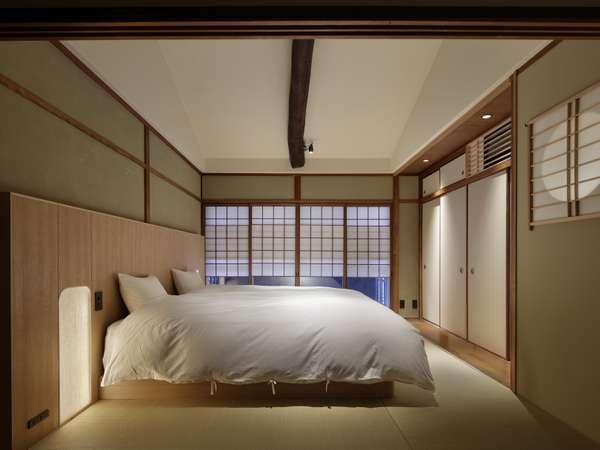 2階ベッド。こだわりの上質のマットレスと寝具で旅の疲れをゆっくりと癒します。