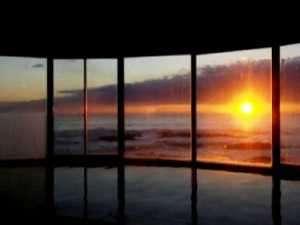 10~3月頃は大浴場にて日の出をご覧いただくこともできます。