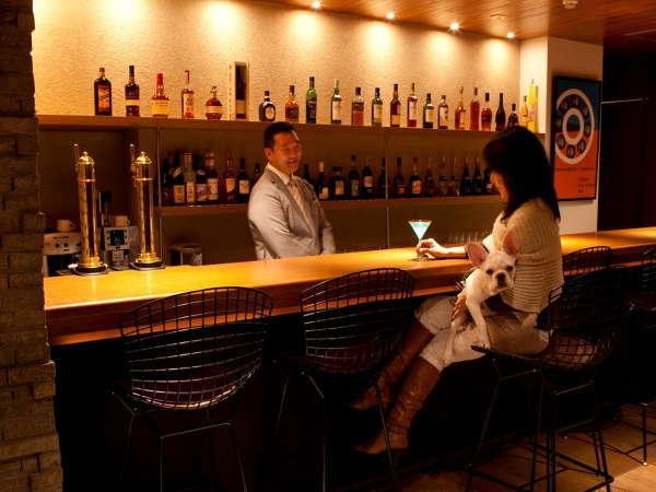 【カフェ・バー】愛犬のオリジナルカクテルが人気!一緒にバーを楽しむ夢のような空間
