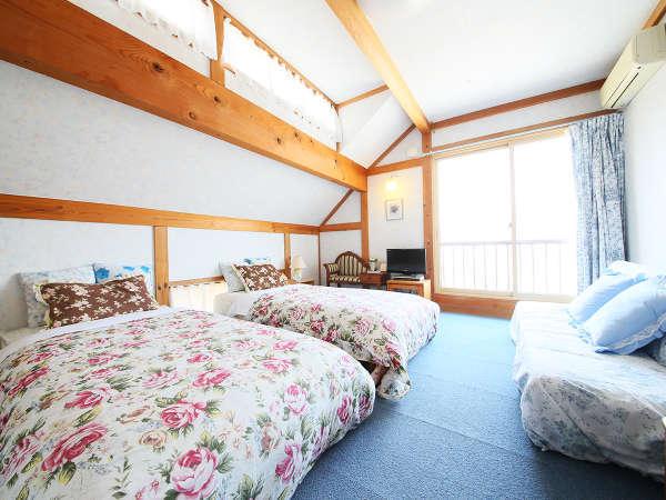 ・北アルプスを眺望できる洋室ツイン。ふかふかベッドでゆっくりとおくつろぎください。
