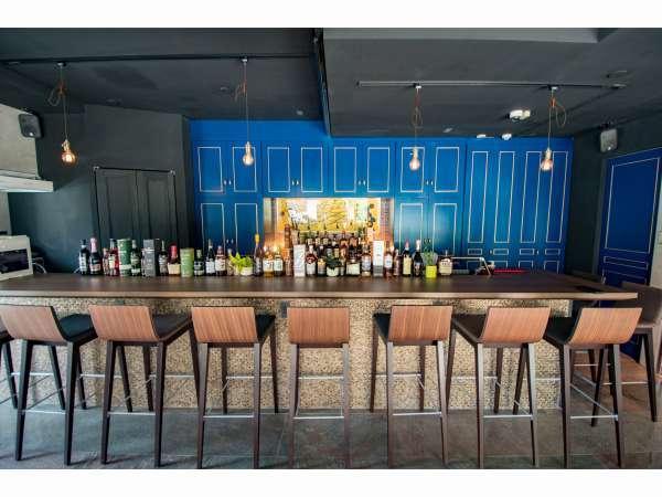 1F フロント&Bar