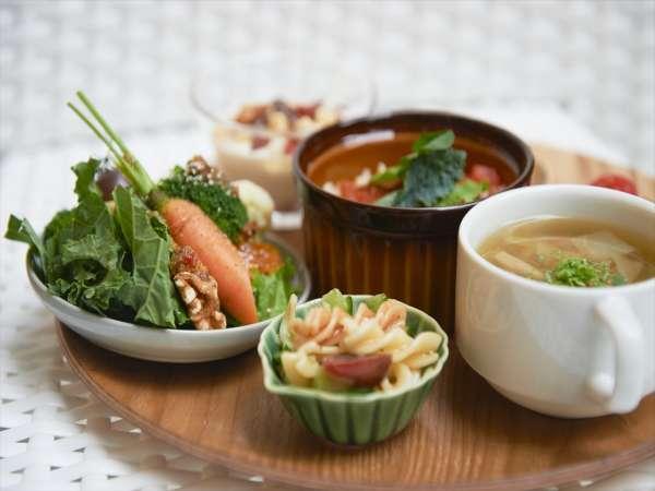 【朝食】朝食はCosme Kitchen Adaptation監修ビュッフェ