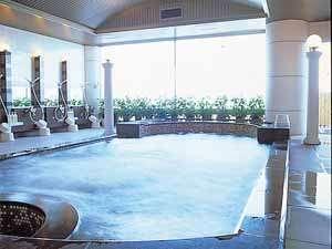 広々とした大浴場がリゾート気分を倍増させます♪
