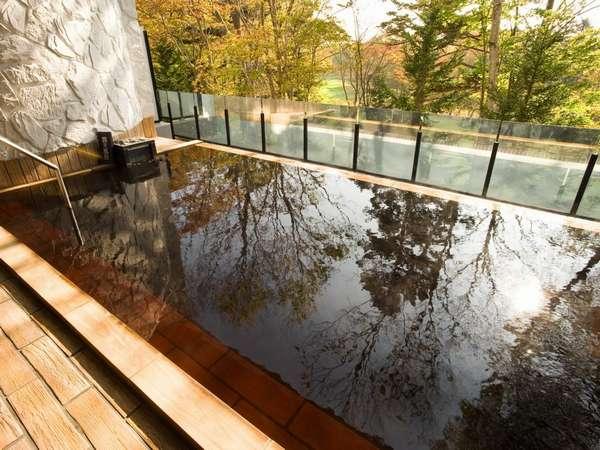 四季折々に表情を変える豊かな自然を眺めながらゆっくり湯浴みをお楽しみ下さい