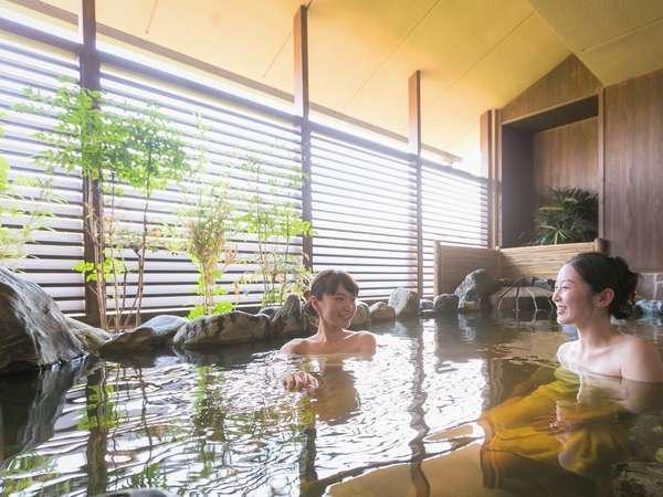 【大湯処:蒼雲】露天風呂は源泉かけ流し。美肌の湯をご堪能ください。