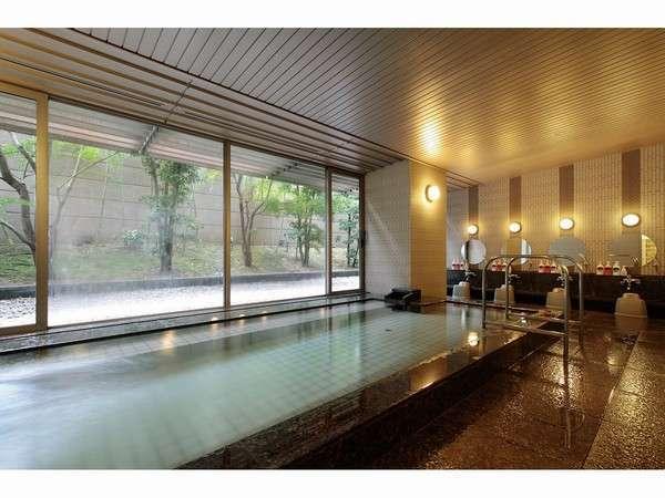 【ガーデン浴場】(男子:15名様程度ご利用いただける浴場)