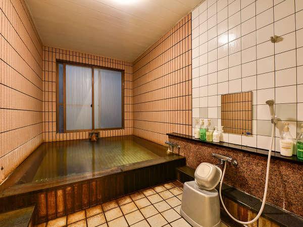 *【松島温泉(1階浴場)】美肌に効果のある天然温泉です。