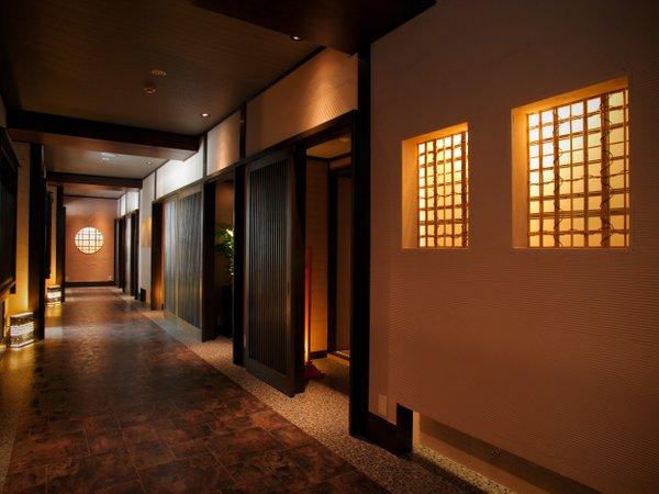 個室お食事処舞楽殿=迂助=は和の心が愉しめる心地よい空間です。