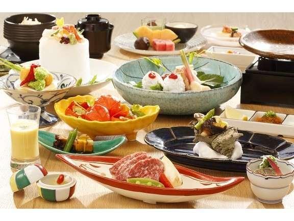 愛犬と一緒にお部屋にて創作日本料理をご堪能ください
