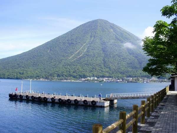 中禅寺湖です