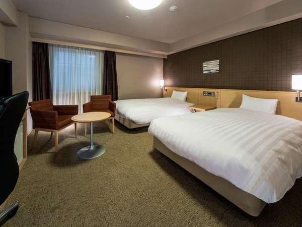 【ツインルーム】部屋の広さ28.6㎡:ベッド幅122cm:ハリウッドツインタイプと2種類ございます