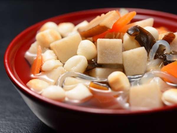 【会津郷土料理こづゆ】郷土料理の代表ともいえる「こづゆ」。貝柱で出汁を取り薄味に仕立てた品の良い料理