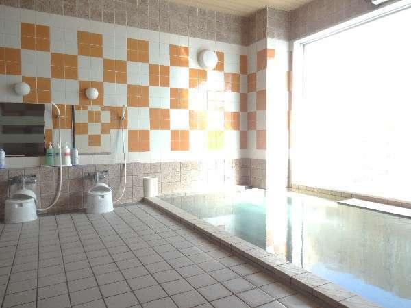 大浴場。ご利用時間15:00~深夜2:00/朝5:00~10:00。