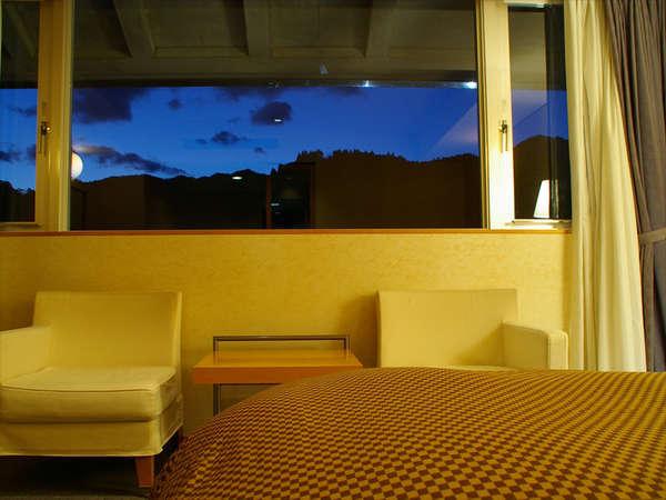 ●二淀川を望むツイン●カップルやご夫婦にオススメ♪窓から見える自然に癒されながらごゆっくりとどうぞ☆