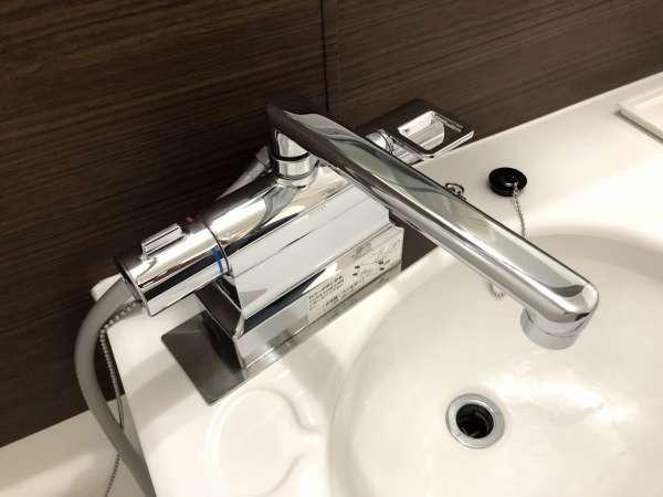 ※サーモ付き混合水栓:水の温度調節も可能なサーモ付き混合水栓。