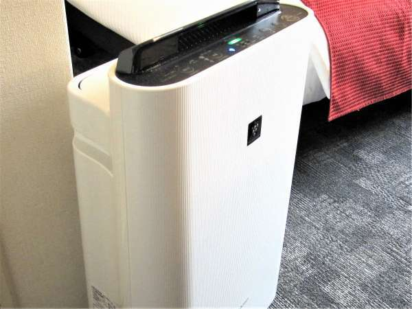 ※室内で快適にお過ごし頂けるよう加湿機能付き空気清浄機も全室完備しております。