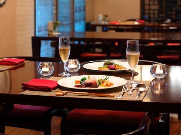 ディナーは別棟の200年蔵レストランで欧風懐石のフルコースをご用意いたします。