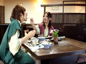 【人気のカップルプラン】仕切りがある食事処で懐石料理を堪能♪