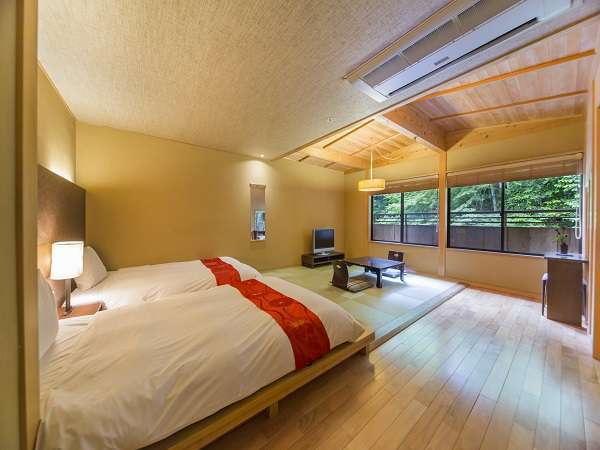 別邸「清川・優月・緑山」一例、源泉かけ流し露天風呂