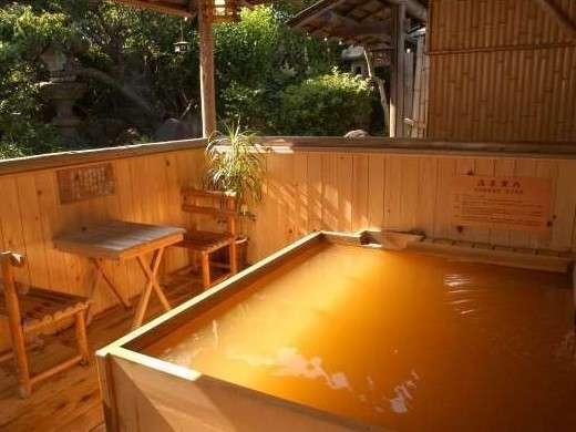 庭園風呂(槇の木のお風呂)