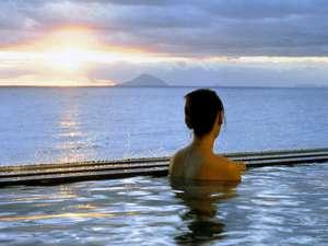 ちょっと早起きして朝日を眺めながらの入浴!