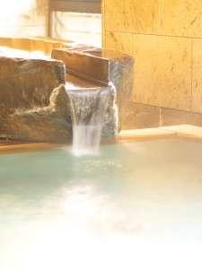 自家源泉から直接引湯します