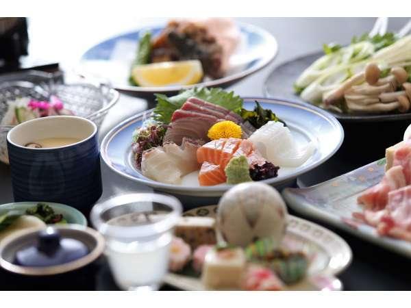 新鮮な日本海の幸や地元の旬菜をふんだんに使用した当館人気のスタンダード会席♪