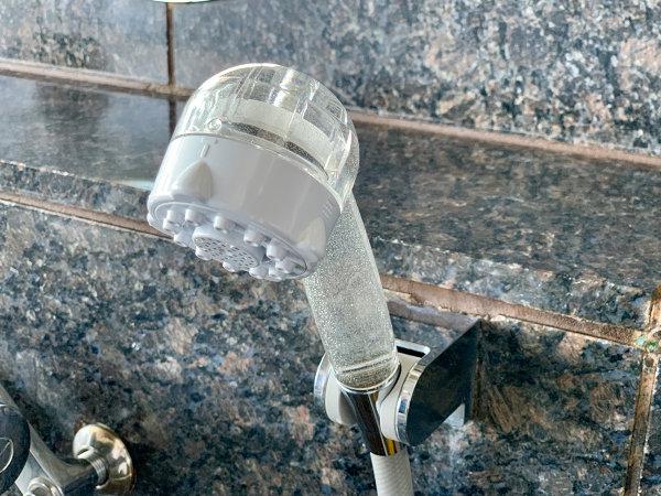 ミラブルを大浴場カランに設置。 極小バブルにより石けんなしで油性マジックが消える広告で有名