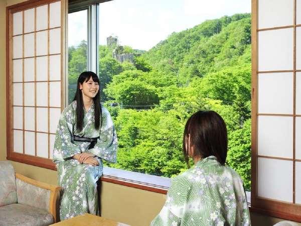 ★名取川沿いの新緑が美しい窓辺