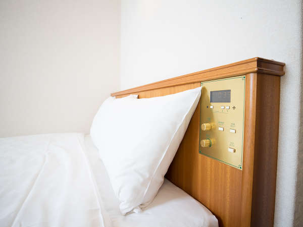 【ダブル】広さ:15.2平米 / ベッド:140cm幅