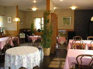 ビストロ風の食堂