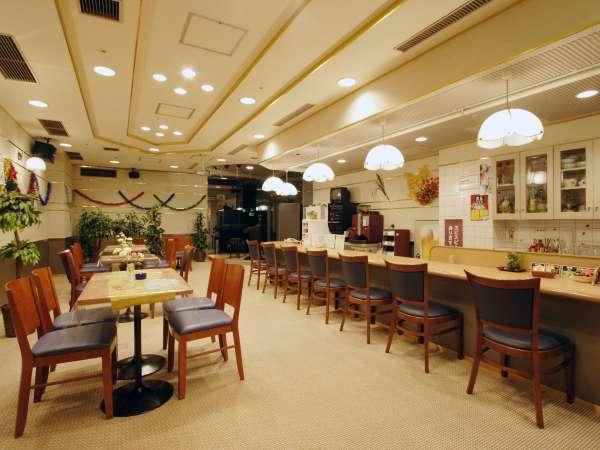 館内喫茶コーナー「オーロラ」はお夜食やデザートを豊富にご用意しております