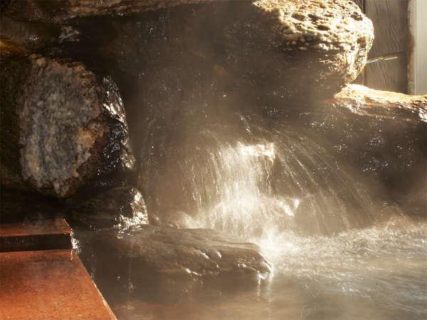 *ピリカ温泉/自家源泉から引く温泉は、体がぽかぽかと温まりお肌がツルツルになると評判!