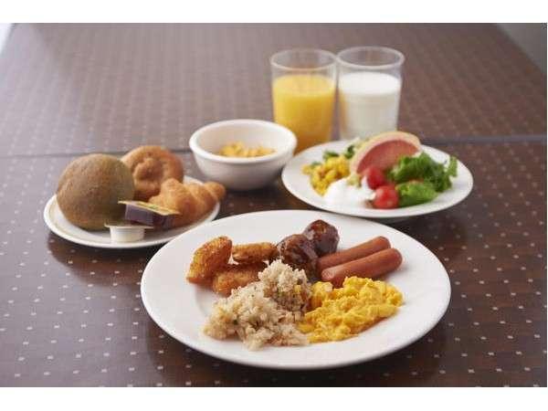 ご朝食は6:30~ロイヤルホストで、和洋バイキング。※イメージ