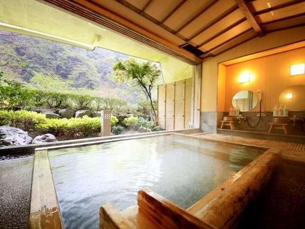 【中川温泉 かくれ湯の里 信玄館】3種の無料貸切風呂は24時間入浴可能!清流を望む展望露天風呂も◎