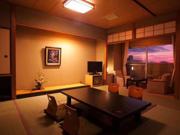 和室12・5畳-夕焼け-