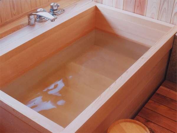 【展望風呂付客室】お客様だけの贅沢な入浴時間をお楽しみ下さいませ。