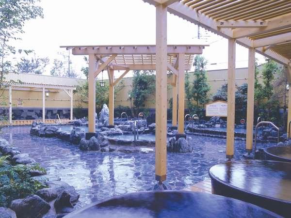 華のゆは男女別の様々なお風呂が楽しめ、しかも天然温泉・源泉かけ流し!近場の温泉宿として満喫できます。