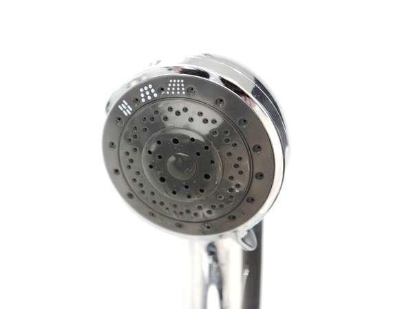 水流を3段階に切り替えられるシャワーヘッドを採用。快適なシャワータイムを。