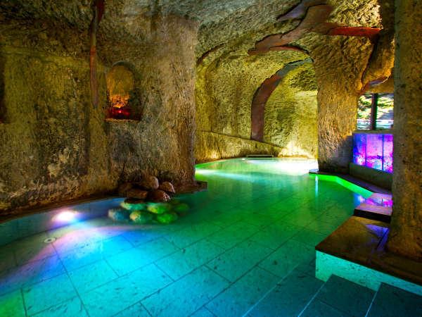 ■洞窟風呂■地下30mに3年の月日をかけて彫られた当館だけのお風呂