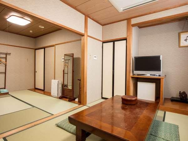 6畳2間続きの和室はご家族や友人同士で泊まるにはぴったりの広さ
