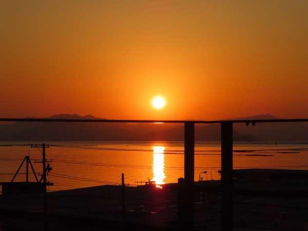 男子・女子露天風呂から朝日・波静かな瀬戸内海を望むことができます。