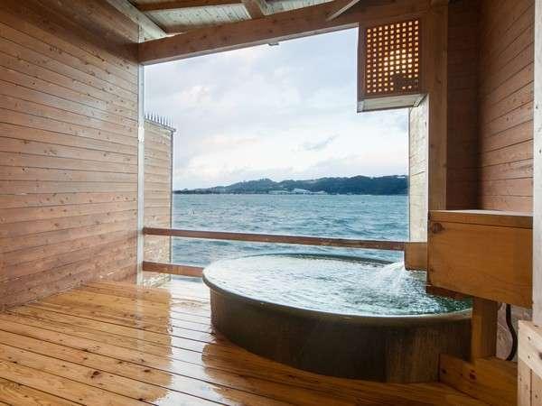 2種の貸切露天風呂。銀鱗は陶器製の浴槽でお寛ぎ頂けます。