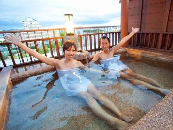 びわ湖の眺めと一緒に楽しむ貸切露天風呂