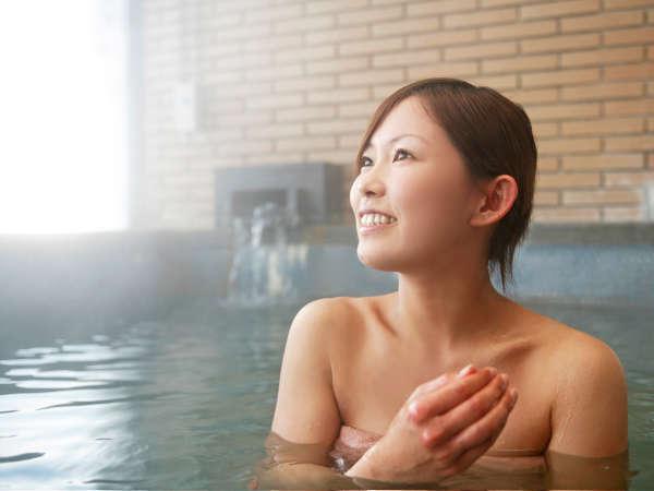 泉質は重曹泉で、炭酸水素イオンが豊富な美肌の湯です。
