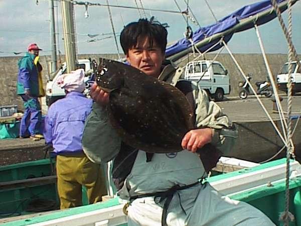 舟盛りには地元や近郊の港で水揚げされた新鮮な魚を使います