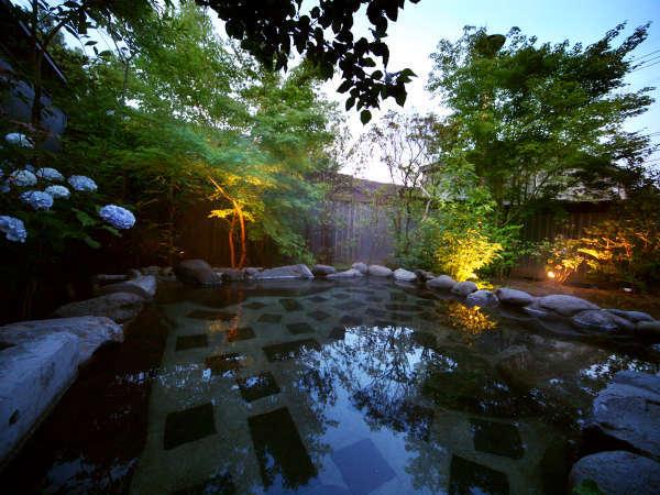 ◆露天風呂◆暮れゆく前の、ほんの「ひととき」。