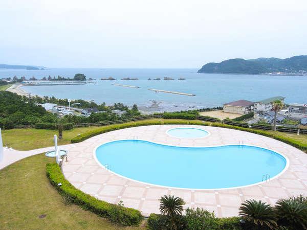 夏休みは海の見えるプールで泳ごう♪期間7/18~8/31 時間:9:00~18:00